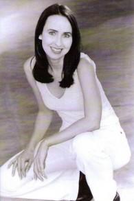 Lisa R Jones