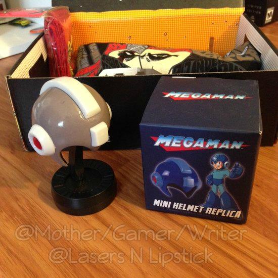 Loot Crate Unboxing November 2014  mega man helmet.png