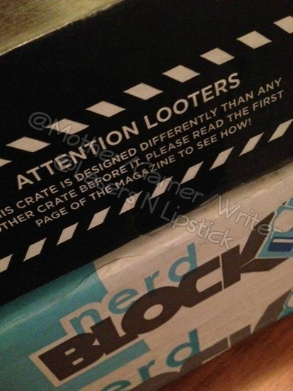 Loot Crate Unboxing November 2014  special message on box