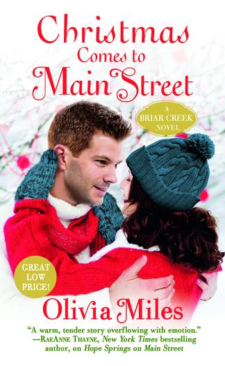 Miles_ChristmasComestoMainStreet_MM