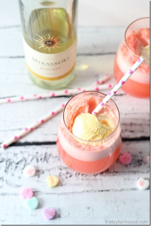 VALENTINE MOSCATO FLOAT by The Taylor Hourse
