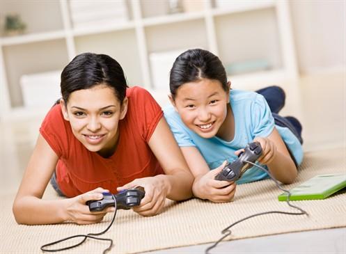 gamer mom and girl