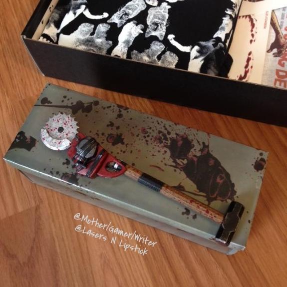 loot crate october 2014 dead rising 3 pen second look