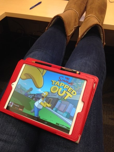 me playing simpsons tapped out game
